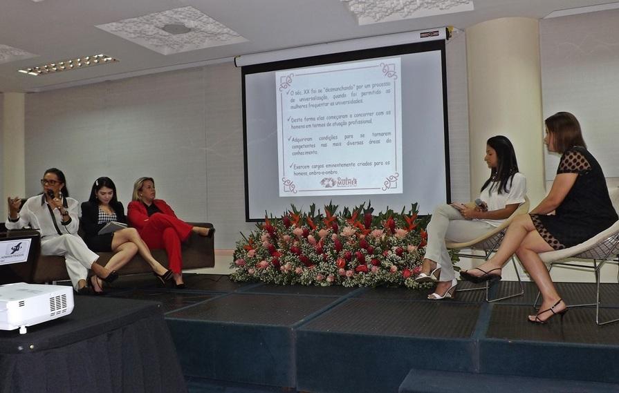 Faculdade Pitágoras participa do Jubileu de Ouro da Administração