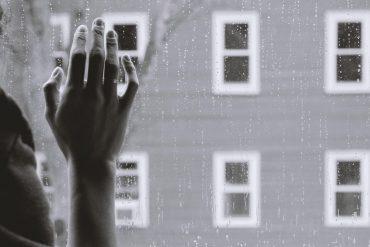 Setembro Amarelo: relato de depressão pelos olhos de quem enfrenta a doença